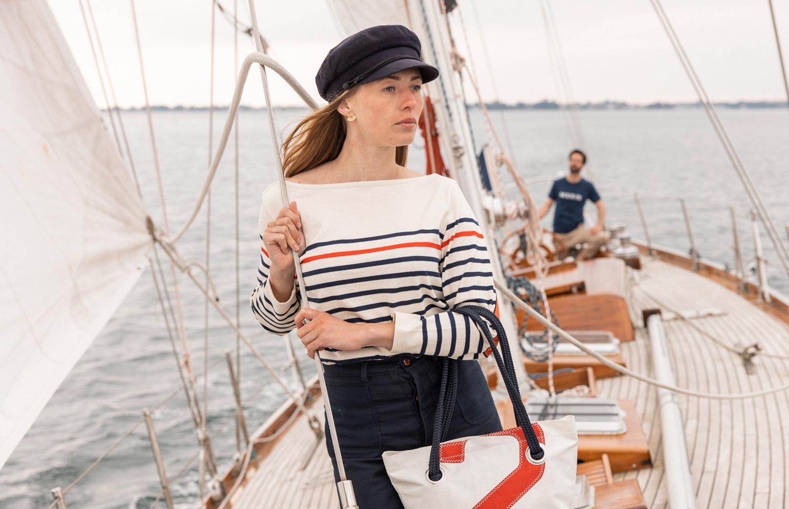 T-Shirt und maritimer Pullover für Damen aus 100 % Baumwolle